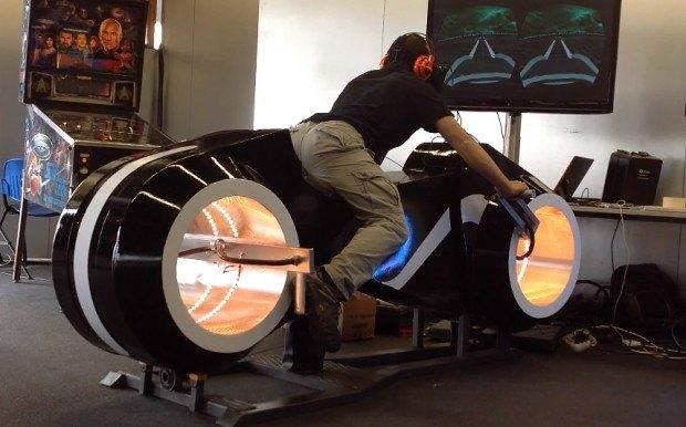 http://en.paperblog.com/watch-tron-light-cycle-simulator-with-oculus-rift-is-the-best-arcade-game-ever-860402/