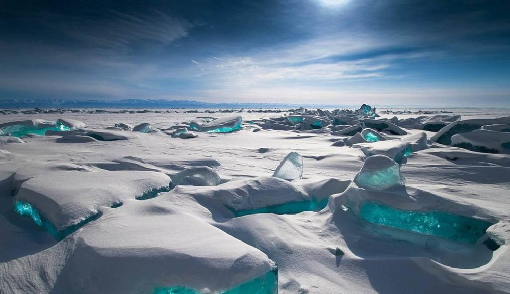 ice-canyon-greenland-tourism