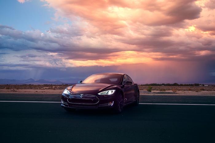 Tesla's Model S 85D. Image rights: Tesla.
