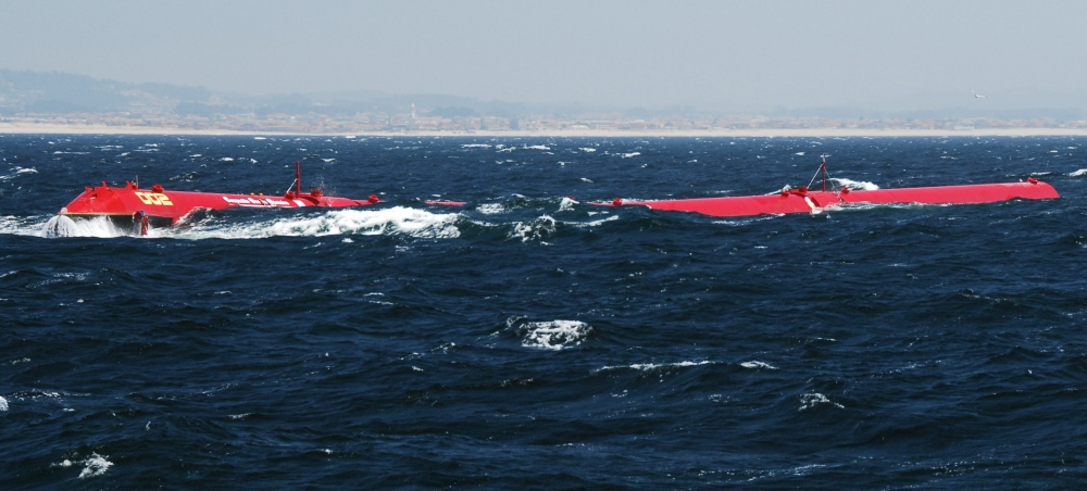 Pelamis_machine_installed_at_the_Agucadoura_Wave_Park