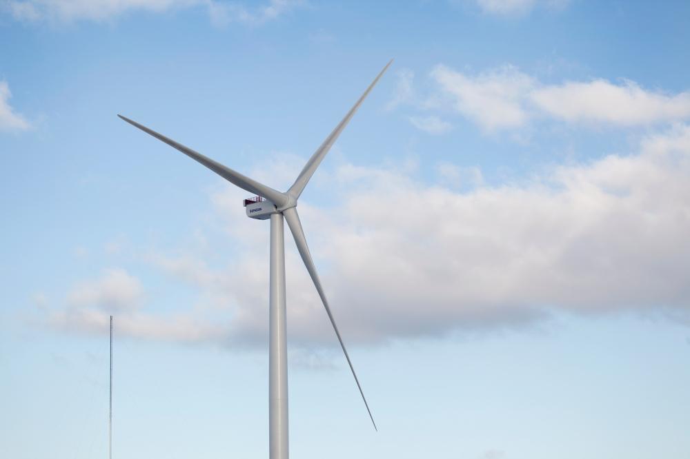 MHI Vestas V164-8MW Turbine with 80m blades. Image via MHI Vestas.